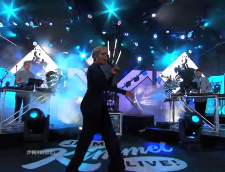 "Disclosure ""F for You""  (ft. Mary J. Blige) (live on 'Kimmel')"
