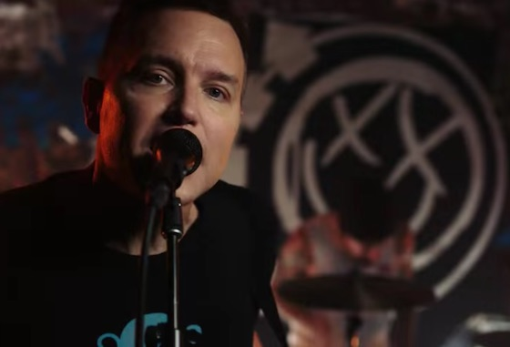 "Blink-182 ""Bored to Death"" (video)"
