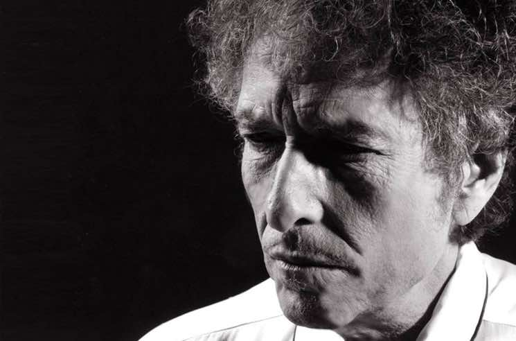 "Bob Dylan Is Sick of Your Cellphone Photos: ""We Can Either Play or We Can Pose"""