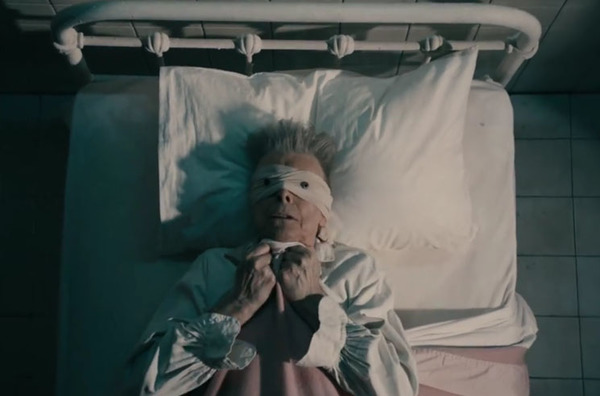 "David Bowie ""Lazarus"" (video trailer)"