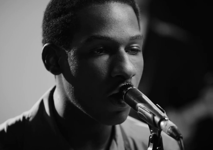 "Leon Bridges ""Better Man"" (video)"