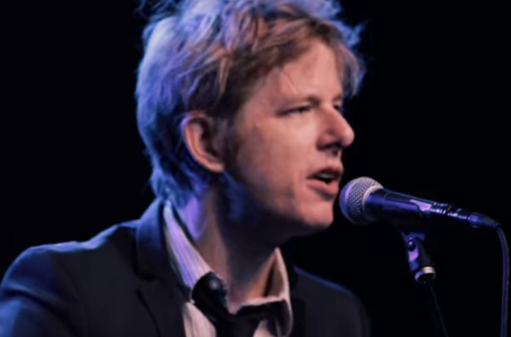 "Watch Spoon's Britt Daniel Play ""I Me Mine"" at George Harrison Tribute Show"