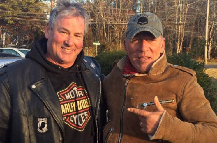 ​Stranded Bruce Springsteen Rescued by Gang of Bikers in New Jersey