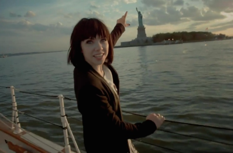 "Carly Rae Jepsen ""Run Away with Me"" (video)"