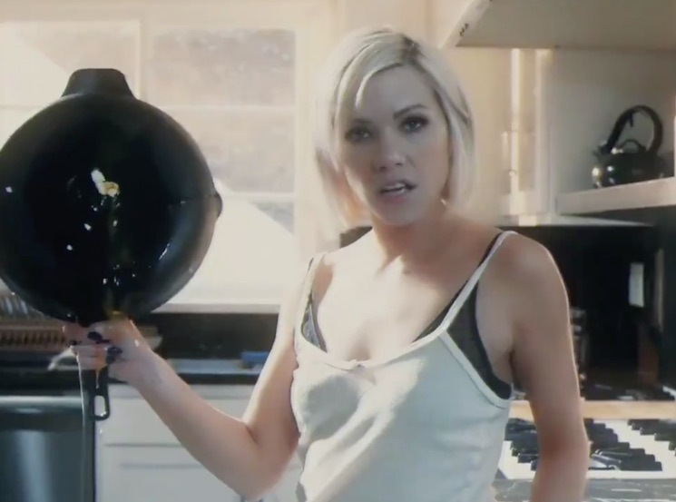 Carly Rae Jepsen Just Recreated a Classic Drug PSA