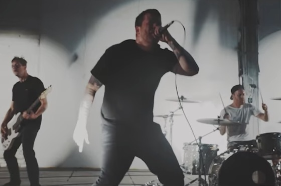 "Comeback Kid ""Surrender Control"" (video)"