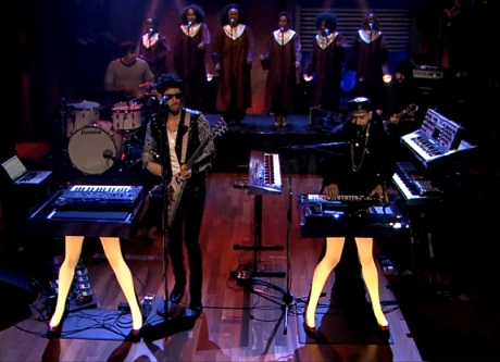 Chromeo 'Sexy Socialite' (ft. Death From Above 1979) (live on 'Fallon')