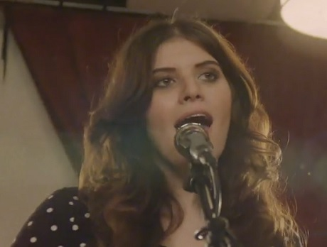"Best Coast ""Baby I'm Crying"" (live video)"