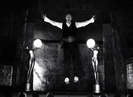 "Coldplay ""Magic"" (video)"