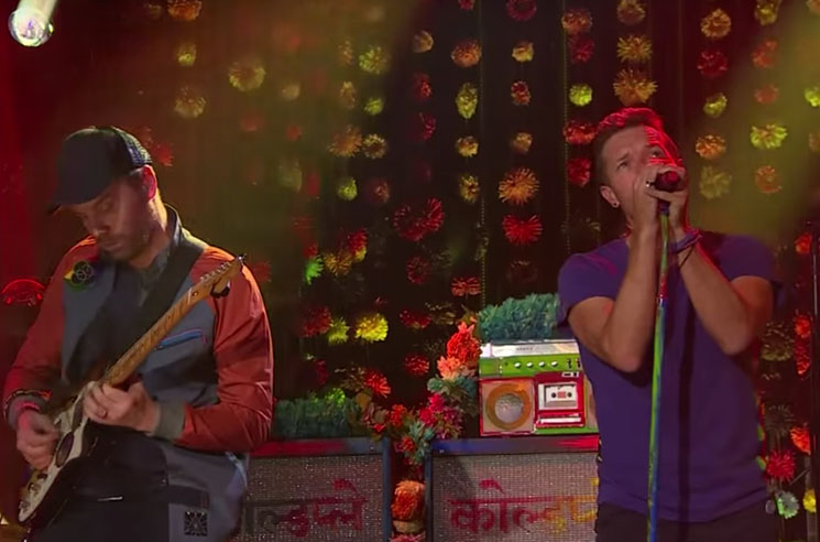 "Coldplay ""Adventure of a Lifetime"" / ""A Head Full of Dreams"" (live on 'Corden')"