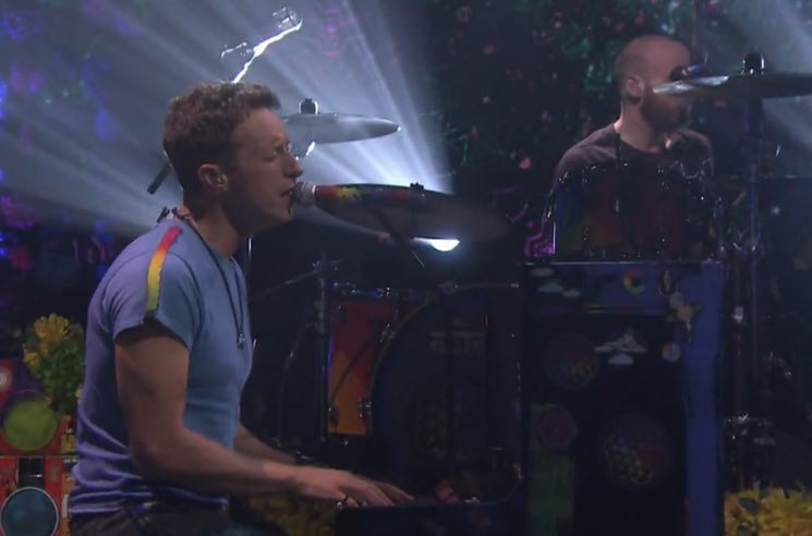 "Coldplay Bring ""Up&Up"" and ""A Head Full of Dreams"" to 'The Tonight Show'"