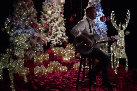 "Corb Lund ""Just Me and These Ponies (For Christmas This Year)"" (video)"