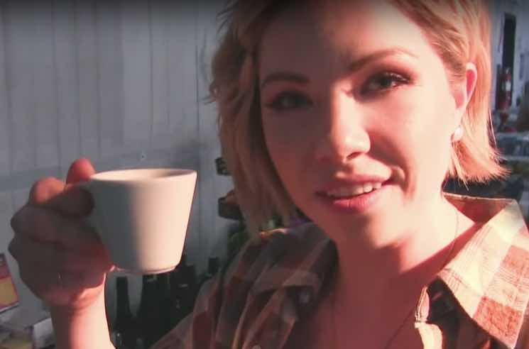 "Carly Rae Jepsen ""Cut to the Feeling"" (video)"