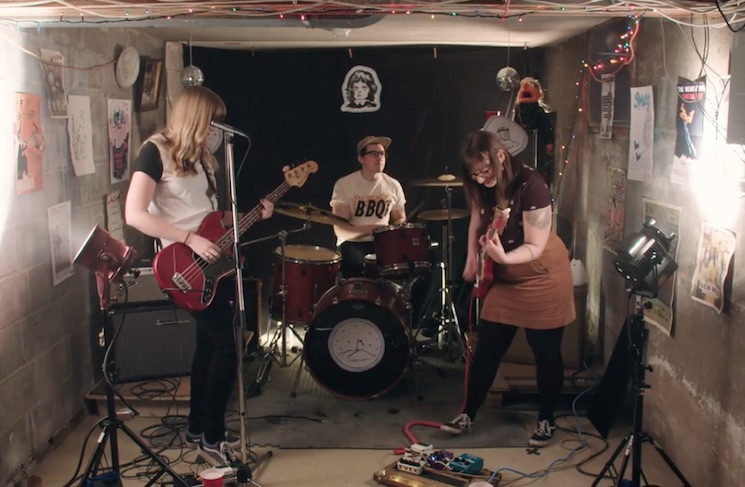 Crossed Wires 'New Year' (video)