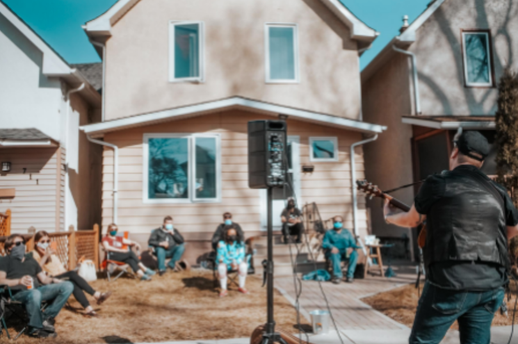 Curbside Concerts Brings Live Music to Your Front Door