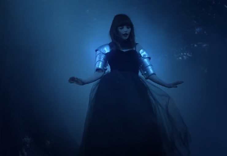 "Chvrches  ""Clearest Blue"" (video)"