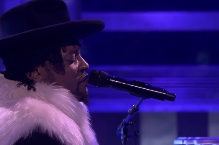 "​Watch D'Angelo Cover Prince's ""Sometimes It Snows in April"" on 'Fallon'"