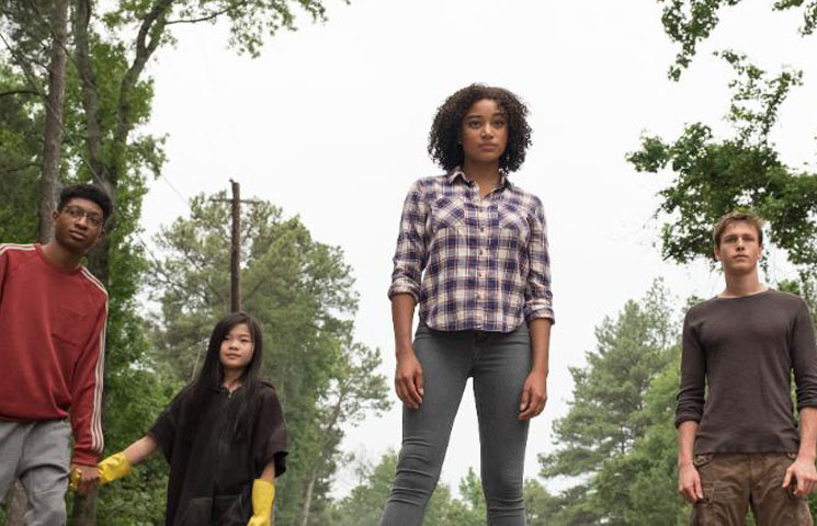 'The Darkest Minds' Review: Teen Dystopia Meets Romantic Schmaltz Directed by Jennifer Yuh Nelson