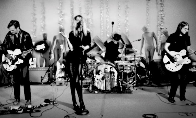 "The Dead Weather ""Mile Makers"" (performance video)"