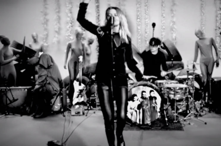 The Dead Weather 'Be Still' (video)