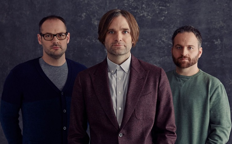 "Death Cab for Cutie Embrace ""Autumn Love"" on New Song"