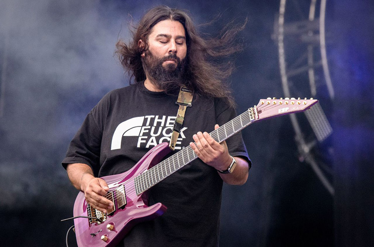 Deftones Guitarist Stephen Carpenter Shares Flat-Earth, Anti-Vax Beliefs
