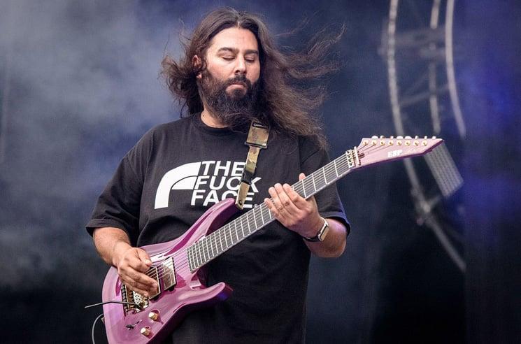 Deftones Guitarist Stephen Carpenter Shares Flat-Earth, Anti-Vax Beliefs