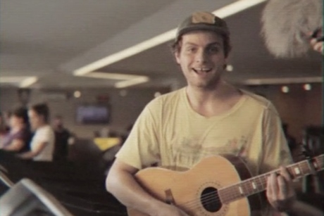Mac DeMarco 'Let My Baby Stay' (live video)