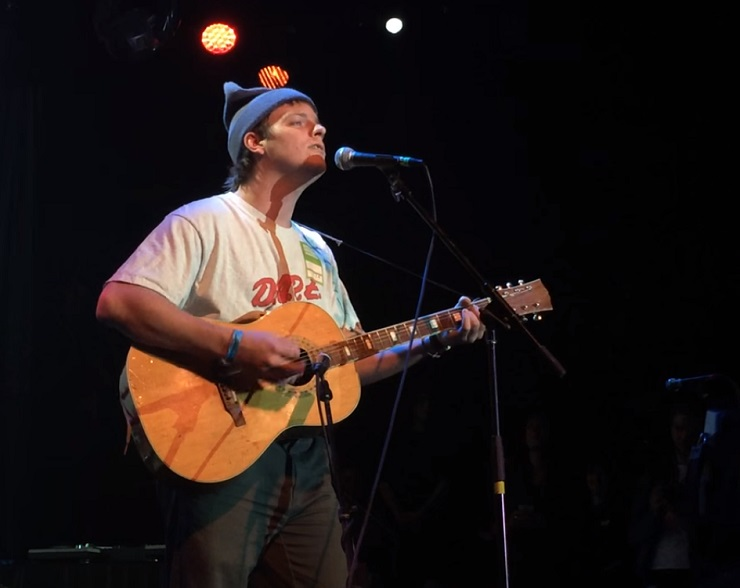 "Mac DeMarco ""Just the Way You Are"" (Billy Joel cover)"
