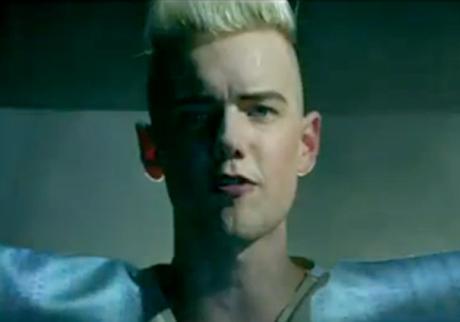 "Diamond Rings ""I'm Just Me"" (video)"