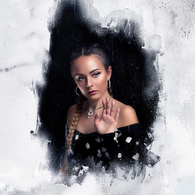 "Hannah Diamond Returns with ""True"""