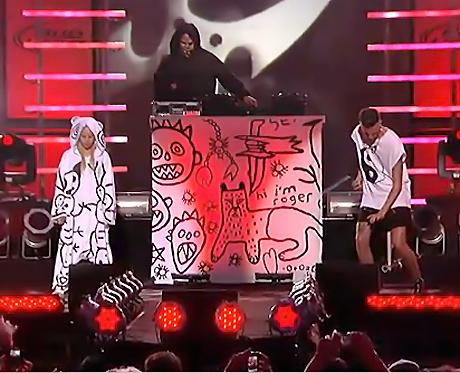 "Die Antwoord ""Enter the Ninja"" (live on <i>Kimmel</i>)"