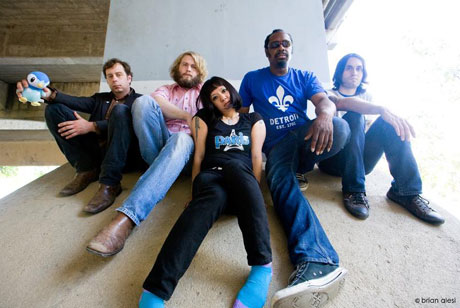 The Dirtbombs Take <i>Party Store</i> on North American Tour