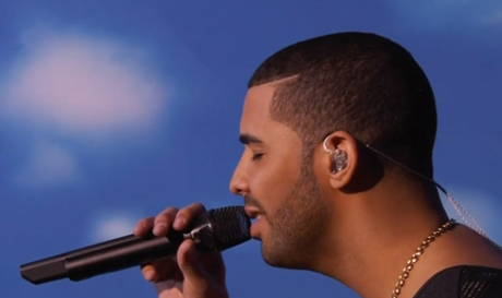 Drake 'Hold On, We're Going Home' / 'Started From the Bottom' (live at the VMAs)
