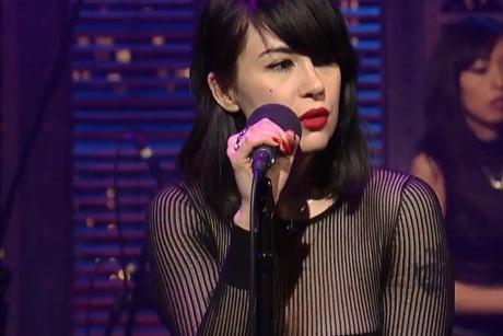 """Dum Dum Girls """"Rimbaud Eyes"""" (live on 'Letterman')"""
