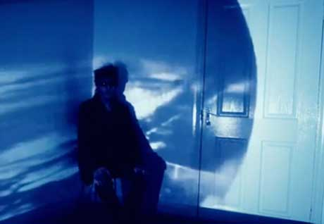 "Echo and the Bunnymen ""Lovers on the Run"" (video)"
