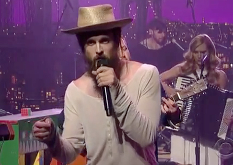 "Edward Sharpe & the Magnetic Zeros ""Man on Fire"" (live on 'Letterman')"