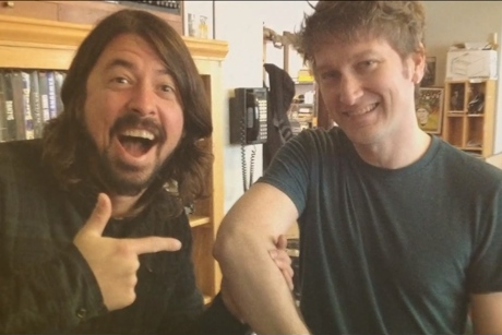 """Split Single """"The Sexiest Elbows in Rock Music"""" (mockumentary ft. Dave Grohl, Bob Mould, Fred Armisen)"""