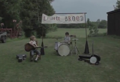 "Elliott Brood ""Lindsay"" (video)"