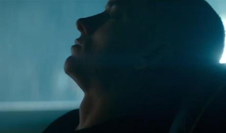 """Eminem """"The Monster"""" (ft. Rihanna) (video)"""