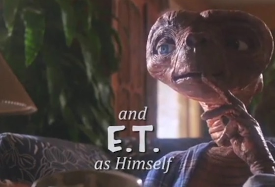 This Trailer Proves 'E.T.' Should Have Been a '90s Sitcom