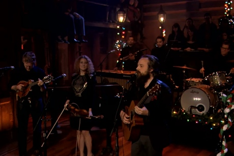 "Iron & Wine, Kathleen Edwards, Glen Hansard and Calexico ""Fairytale of New York"" (Pogues cover) (live on 'Fallon')"