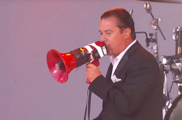 "Faith No More ""Sunny Side Up"" / ""Separation Anxiety"" (live on 'Kimmel')"