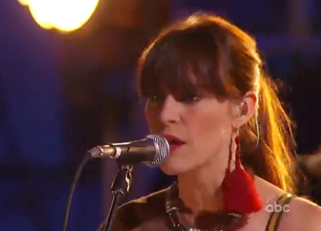 Feist 'How Come You Never Go There' / 'The Bad in Each Other' (live on 'Kimmel')