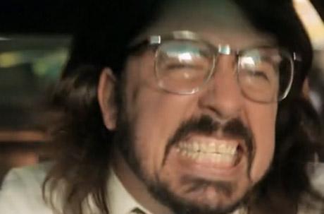 "Foo Fighters ""Walk"" (video)"