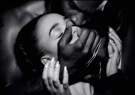 "FKA twigs ""Papi Pacify"" (video)"