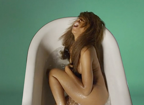 Beefs 2012: Erykah Badu Lashes Out at Flaming Lips over NSFW Video