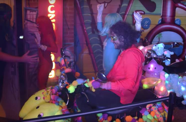 "The Flaming Lips ""How??"" (video)"