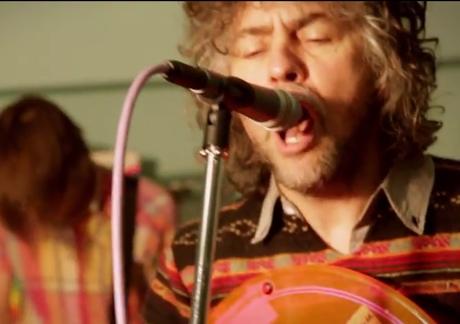 The Flaming Lips 'I Am the Walrus' (live studio video) (Beatles cover)