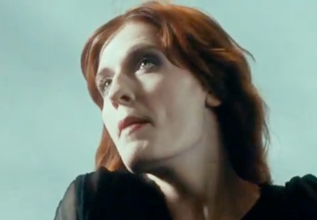 Florence and the Machine 'No Light, No Light' (video)